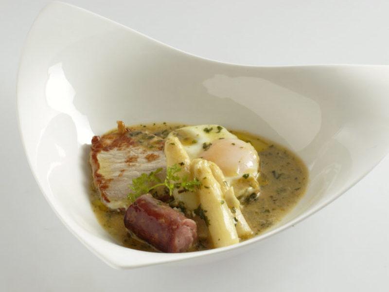Huevos al salmorrejo comida típica de Zaragoza