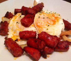 Huevos con chistorra gastronomia de Pamplona