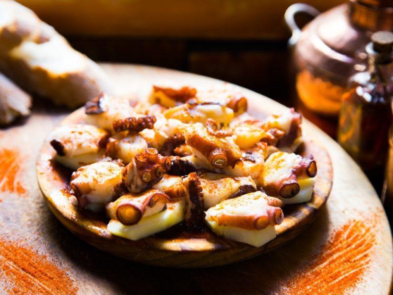 Pulpo a la gallega comida típica de Ourense